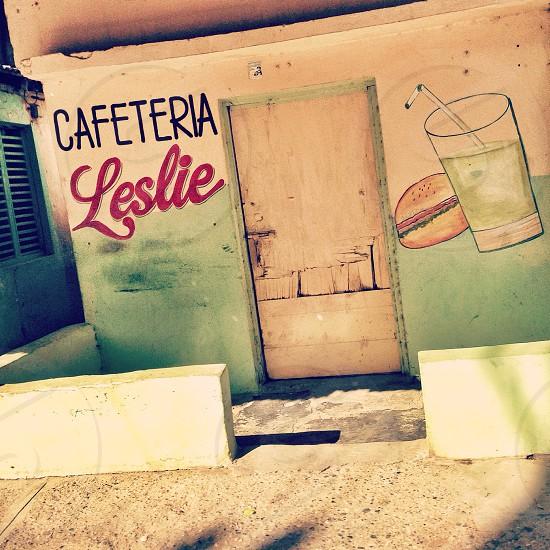 Cafeteria Leslie concrete store facade photo