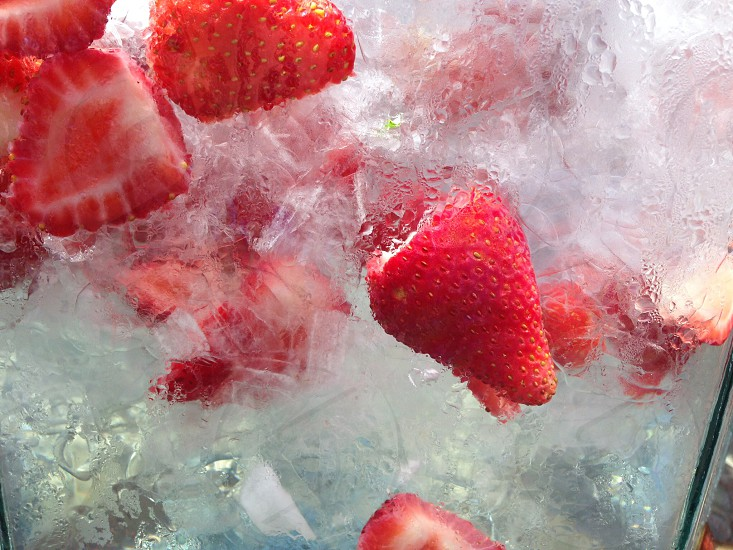 Fruit strawberry water sweet drink refresh refreshment sparkle splash photo