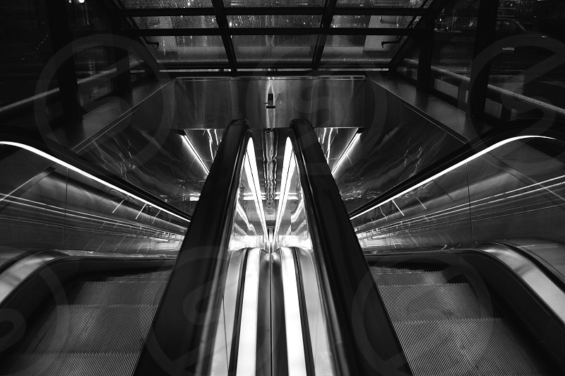 escalator view photo