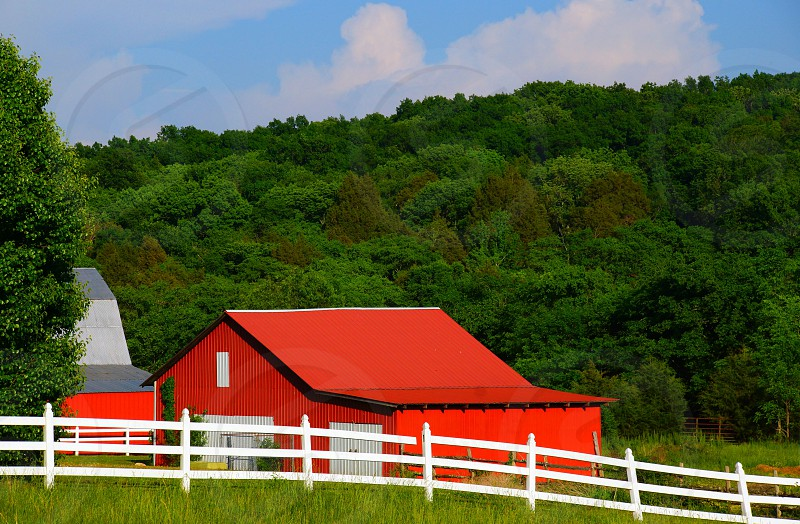 red roofed barn photo