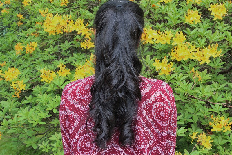 Hair yellow girlbrunette flower back to camera photo