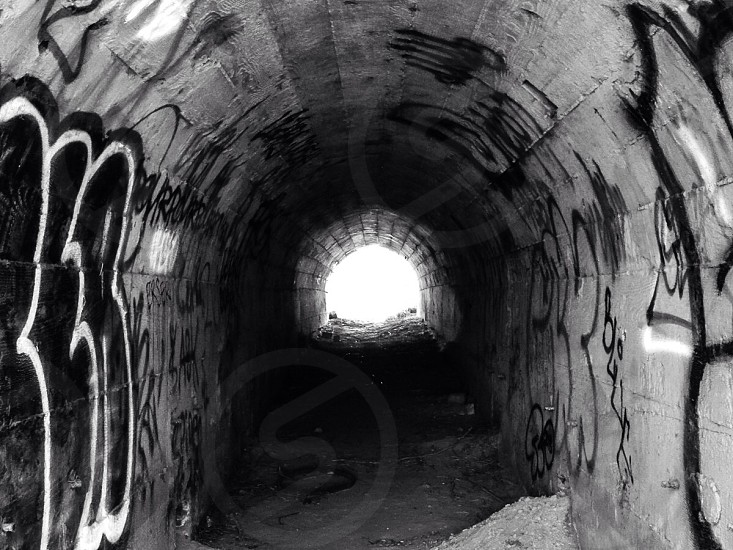 white tunnel frame photography photo