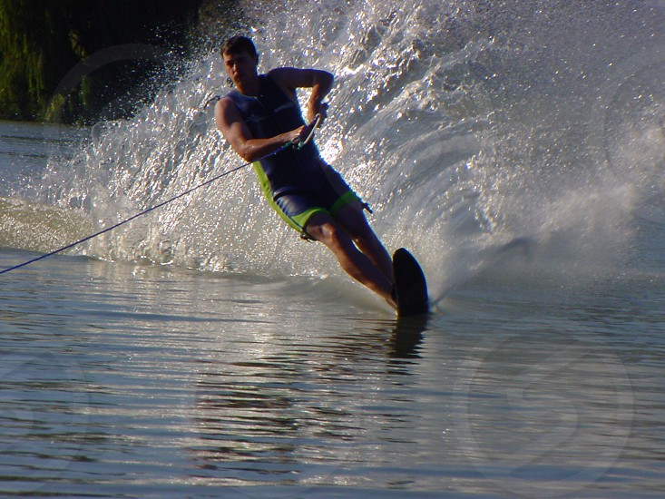 Waterskiing  photo