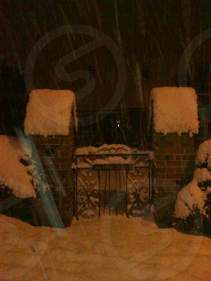 Snowy night photo