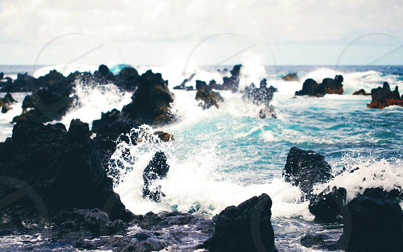 Ocean spray on the coast of Hawaii (Hawaii) photo
