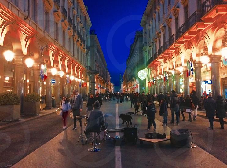 Via Roma a Torino. -momento di riposo- photo