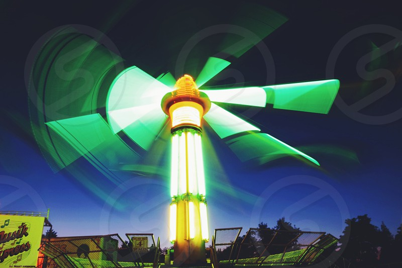 fan on fast motion photograph photo