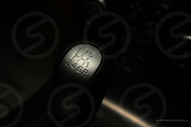 black and gray manual gear shift lever photo