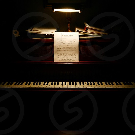 The mysteriously piano photo