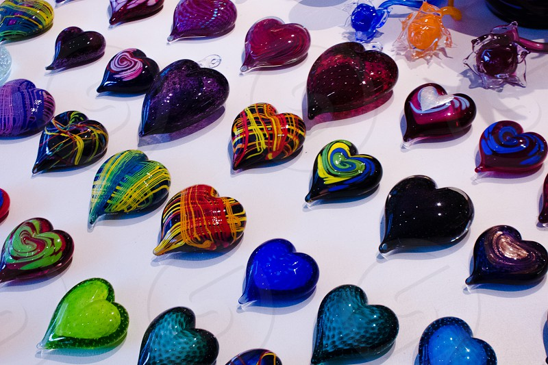 assorted-color marble hearts figure decors photo