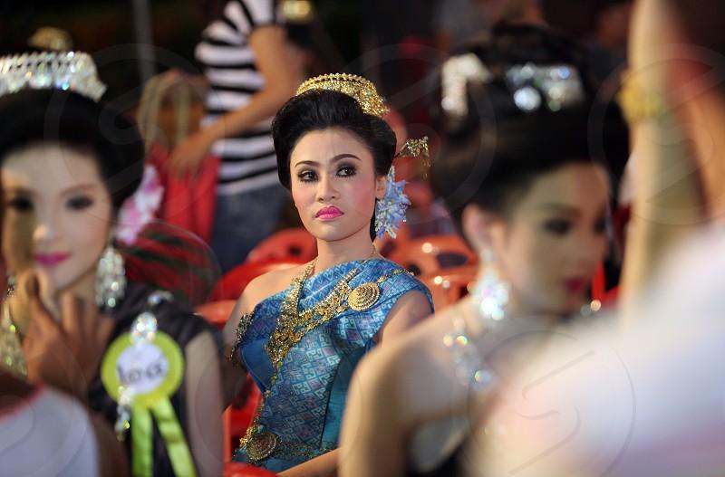 Eine Miss Kandidatin anlaesslich der Miss Wahl beim Bun Bang Fai oder Rocket Festival in Yasothon im Isan im Nordosten von Thailand.  photo