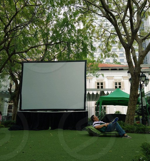 outdoor man travel happy vacation singapore nature trees movie preview photo