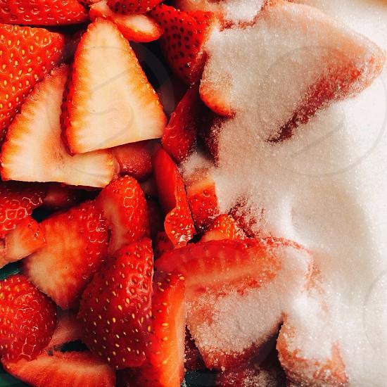 sliced strawberries photo