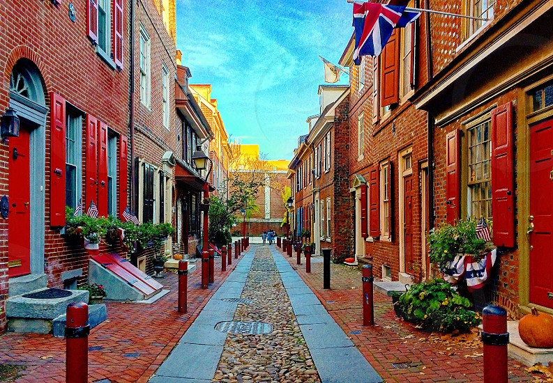 Street Philadelphia alley British Elfreth's Alley comfy cozy autumn colors fall Pensilvania Philly British style streets photo