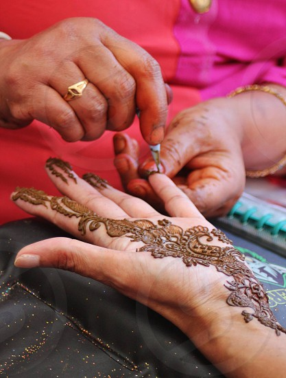 TraditionhennadrawingpaintingIndiaIndianheritagetraditionalcustomshands photo