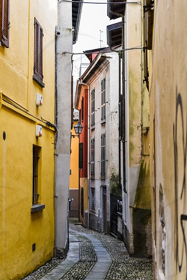 lake como italy northern italy milan tuscan europe romantic architecture alley photo