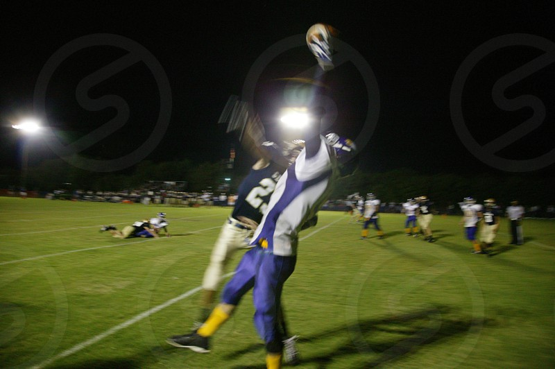 The one-handed touchdown catch. photo