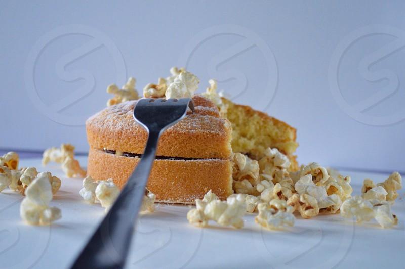 Popcorn cake photo