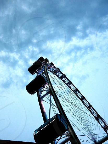 ferris wheel low angle photography photo