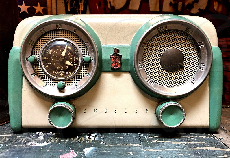 Old vintage tube radio photo