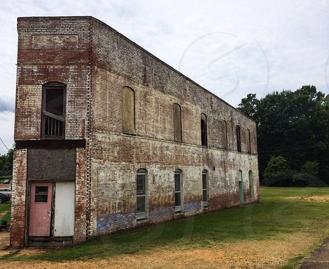 Uniquely shaped abandoned building in Eupora MS.  photo