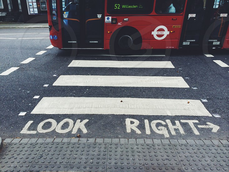 look right signage on concrete surface photo