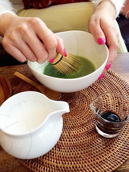 Uzna Omom - Making matcha tea photo