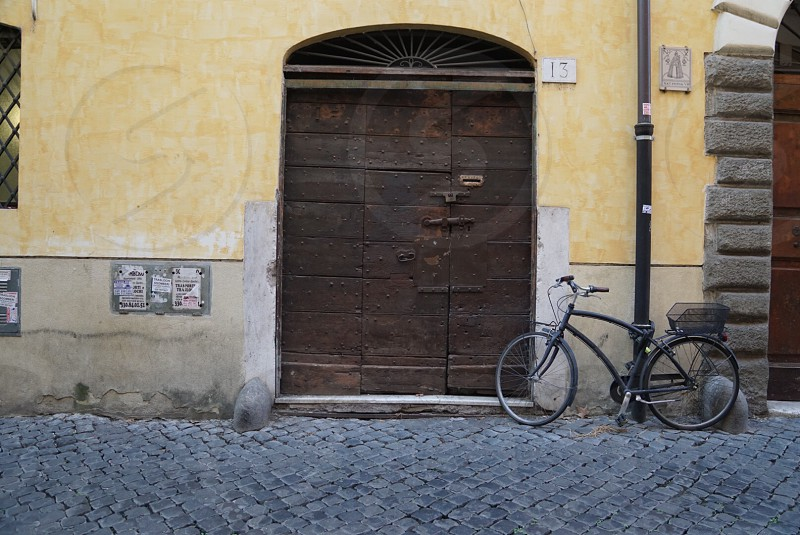 Italian Bike and door in Rome  photo