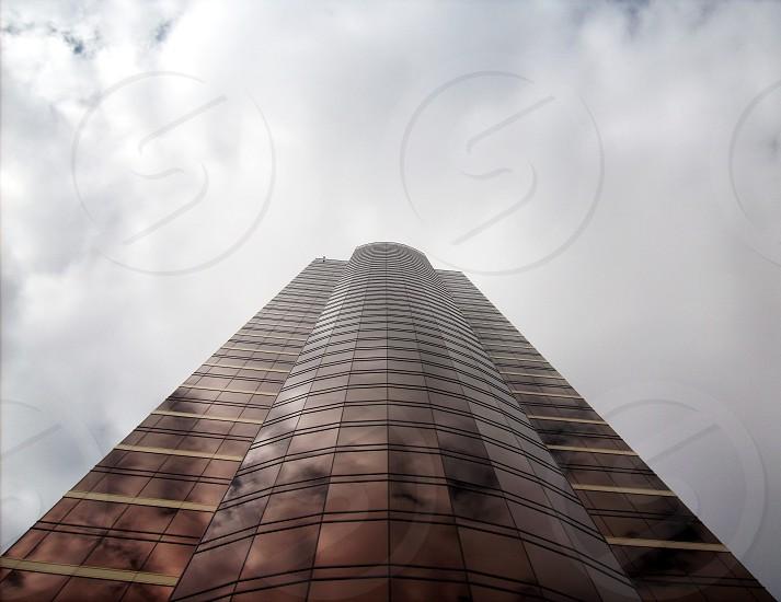 sky scraper building bronze photo
