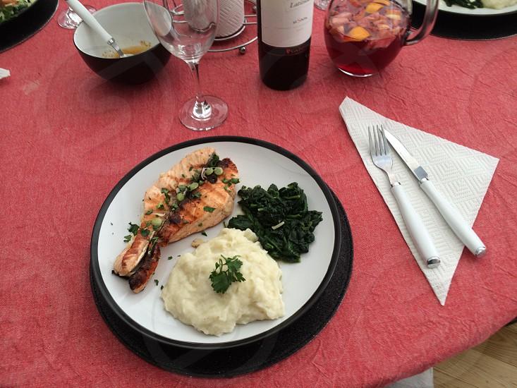Salmon mash spinach wine  photo