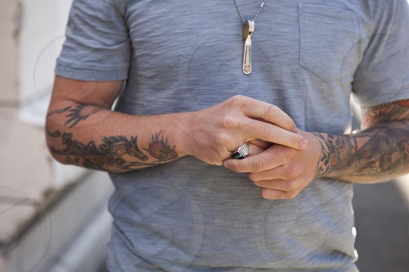 men's blue tee shirt photo