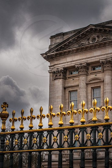 London Building Buckingham-Palace Clouds Queen Monarchy photo