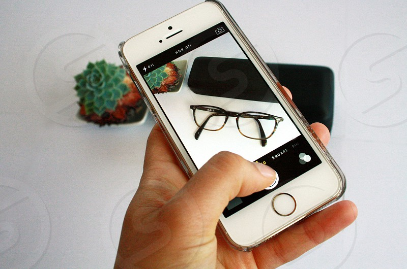 white apple iphone 5s photo