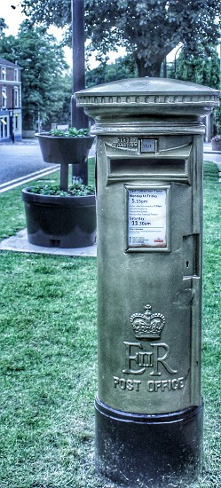 Bradley Wiggins Go For Gold Olympic Medal ( Letter box painted gold in his honour) photo