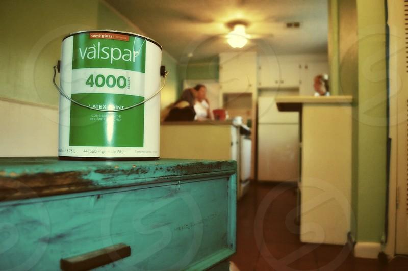 valspar 4000 paint bucket on table photo