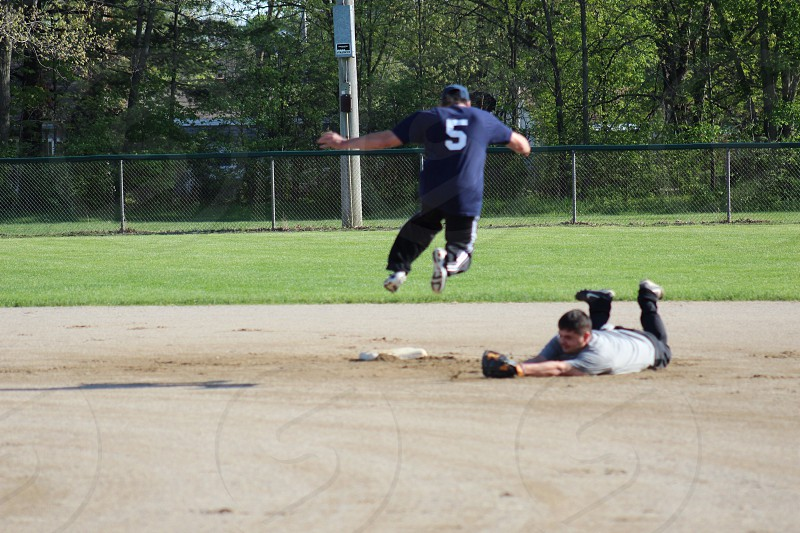 Softball leap photo