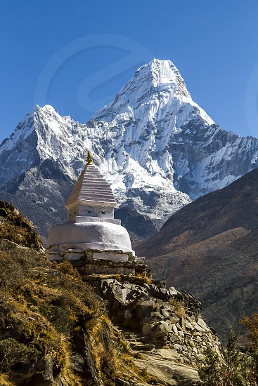 everest mount mt nepal himalaya peak park mountain national range region dablam ama mountains background kathmandu white travel summit snow asia climb mountaineering khumbu view trekking nature namche bazaar photo