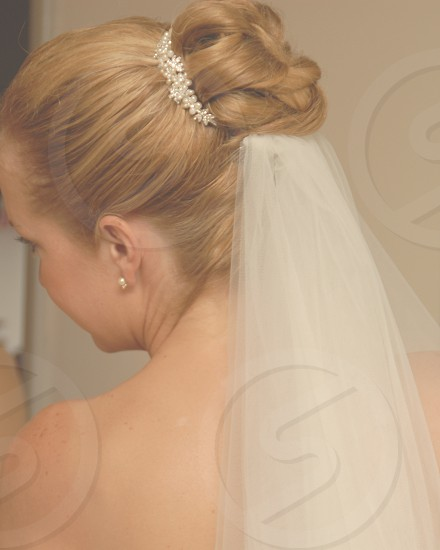 Lifestyle Bridal hair photo
