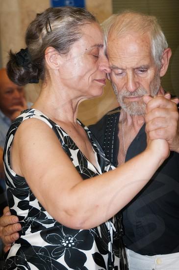 couple dancing photo