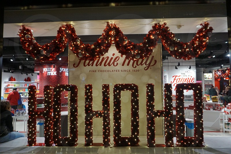 Shopping holidays Chicago winter candy magnificent mile  photo