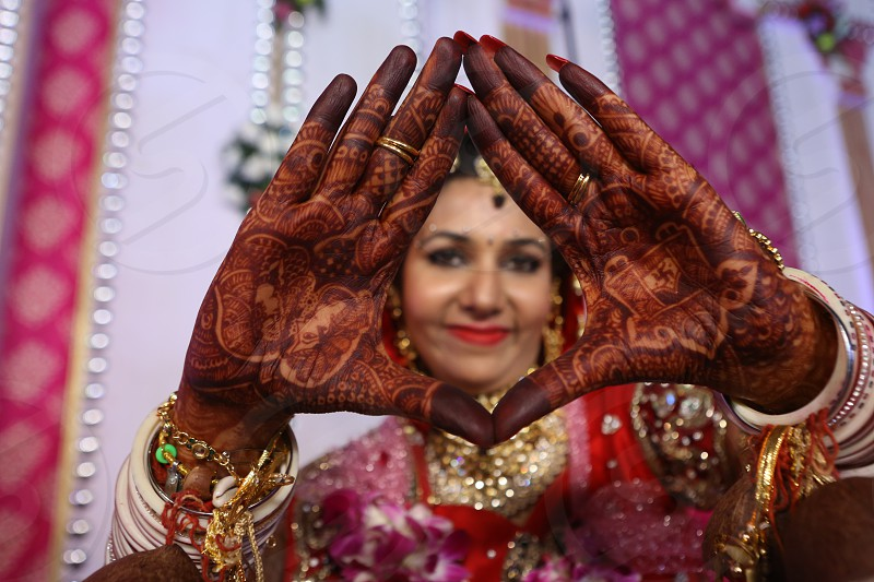 framed hands henna beautiful hands colored hands framed design on hands design henna design india awesome creative photo