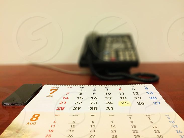 white table calendar photo