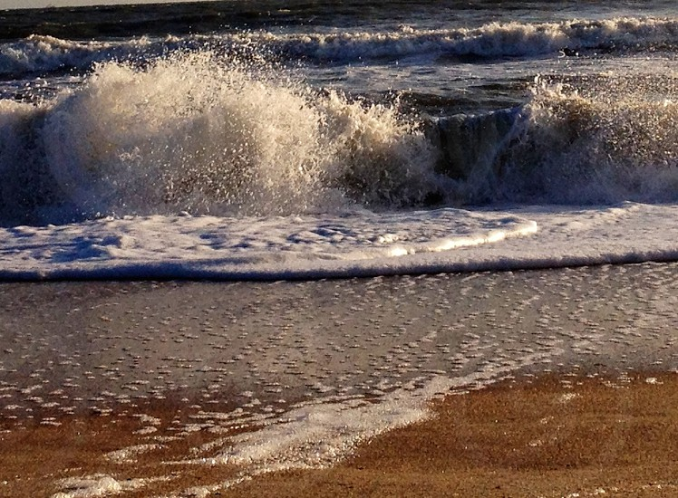 crashing wave photo