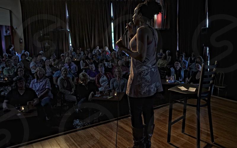 captivating audience speaker photo