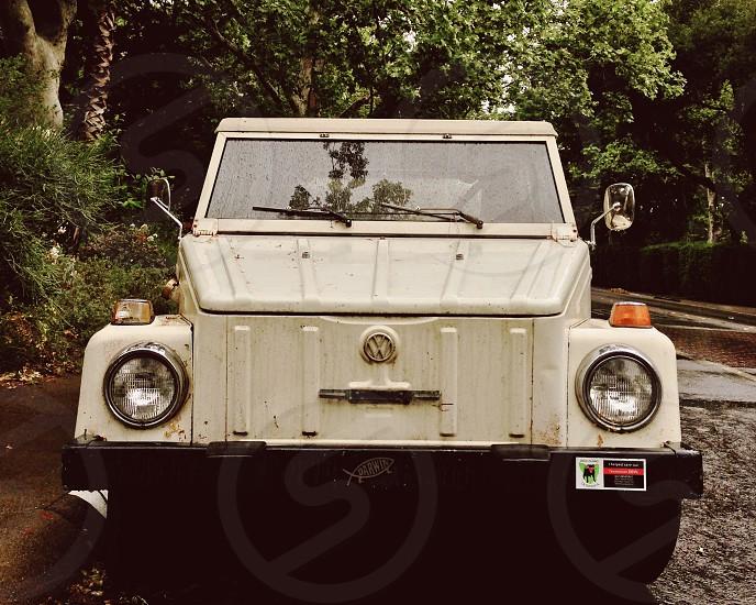 white classic volkswagen passenger vehicle photo