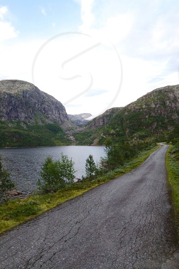 road near the lake photo