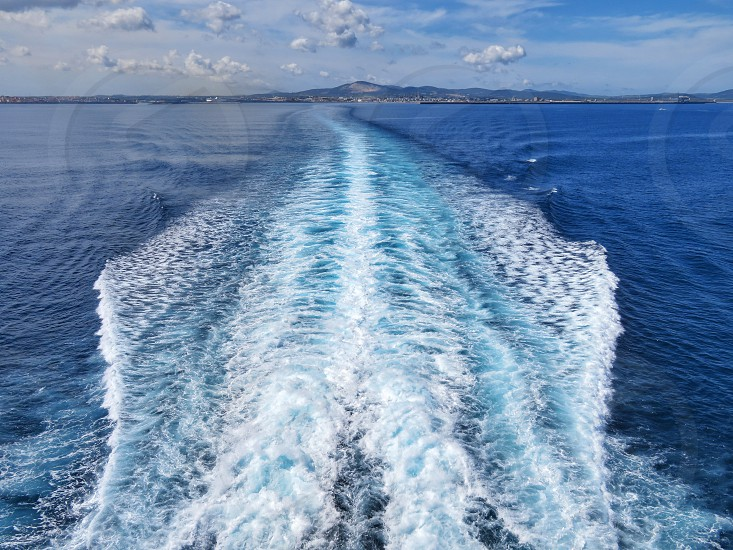 wake of a cruise ship photo