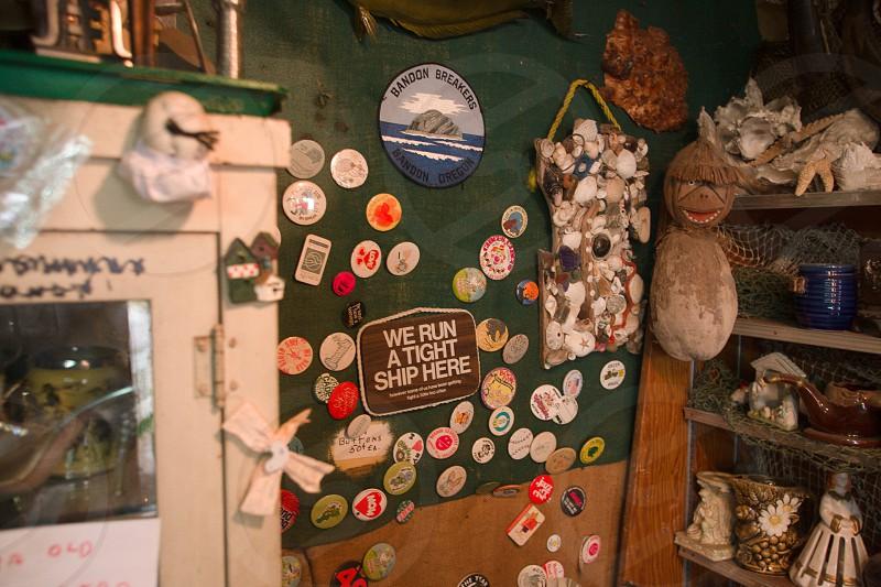 clutter bric-a-brac oregon shop memorabilia  photo