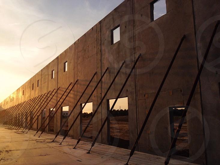 brown concrete wall photo