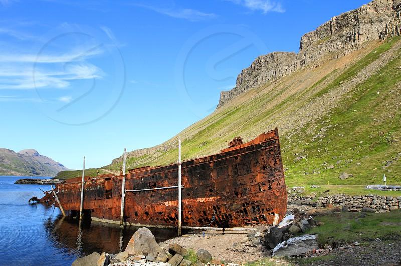 Ship wrackwrackicelandboat photo
